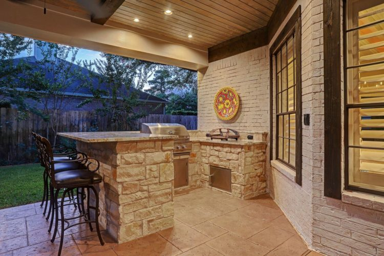 Outside Living – Decks, Patios, Fireplaces