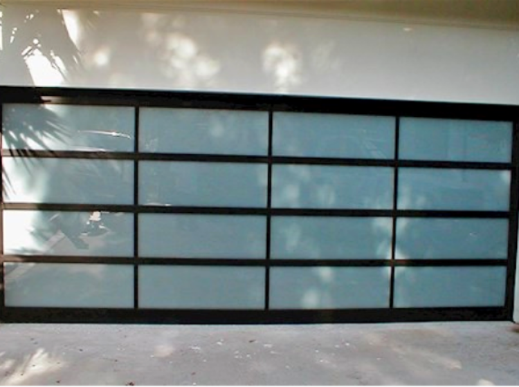 https://www.custombuilderspro.com/wp-content/uploads/2019/11/Garage-Door-Installation-Los-Angeles_5-750x560.png